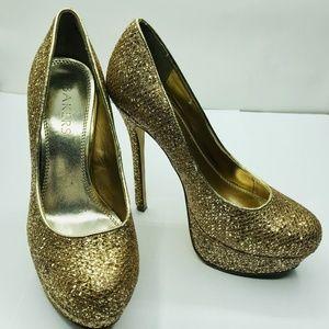 Bakers Shoes Womens Platform Gold metallic
